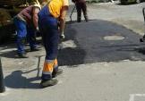 На численні прохання жителів сьогодні заасфальтували доріжку біля церкви на Урлівській, 20