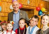 У Дарницькому районі маленькі школярі попрощались з букварем